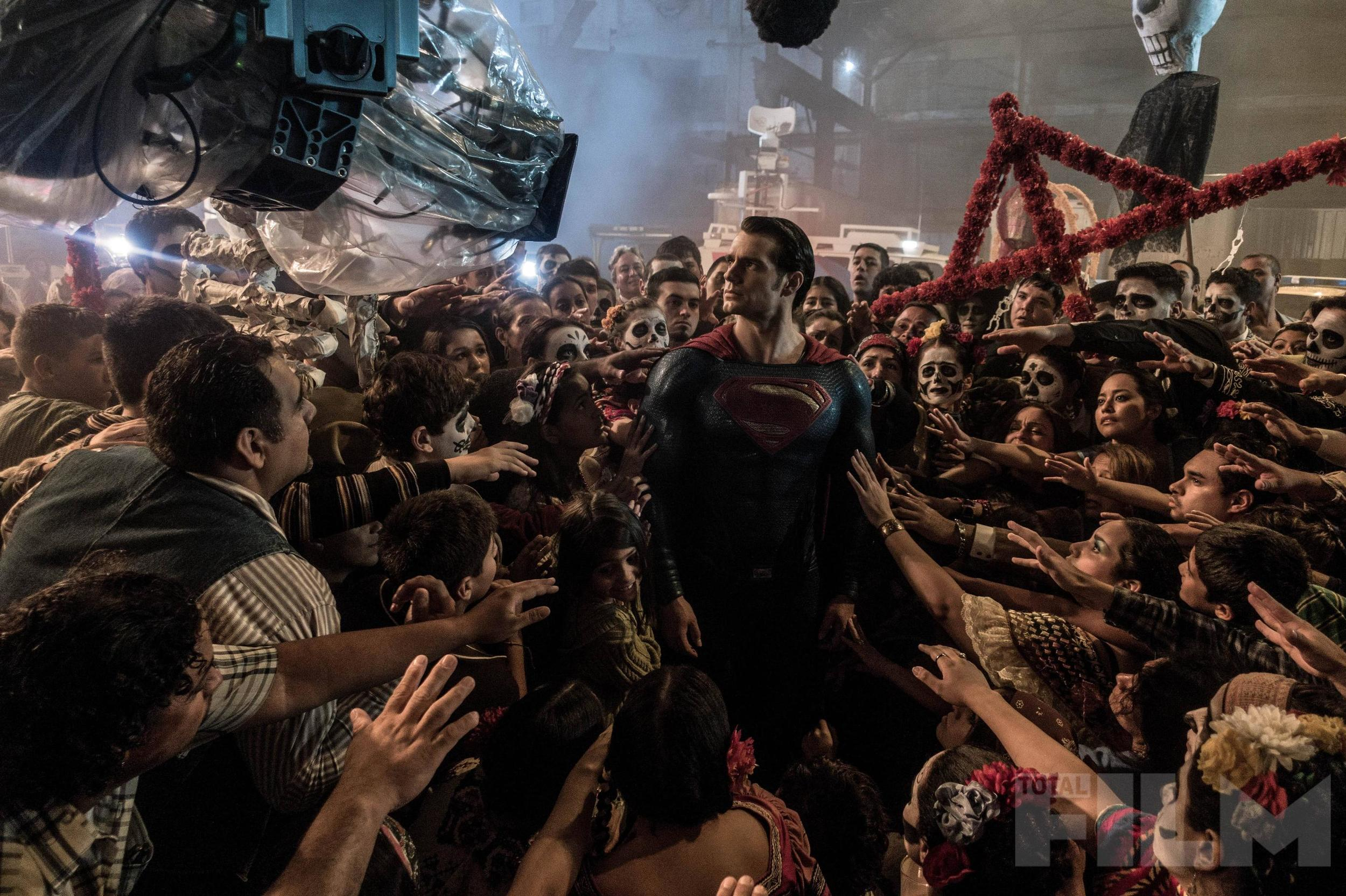 batman-v-superman-total-film-magazine-cover-and-4-photos2