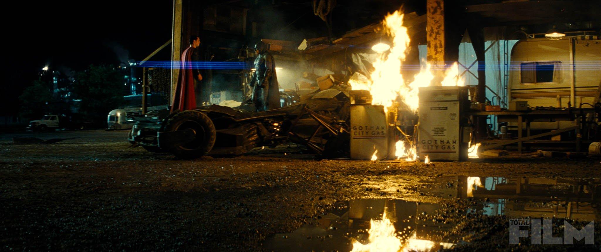 batman-v-superman-total-film-magazine-cover-and-4-photos7