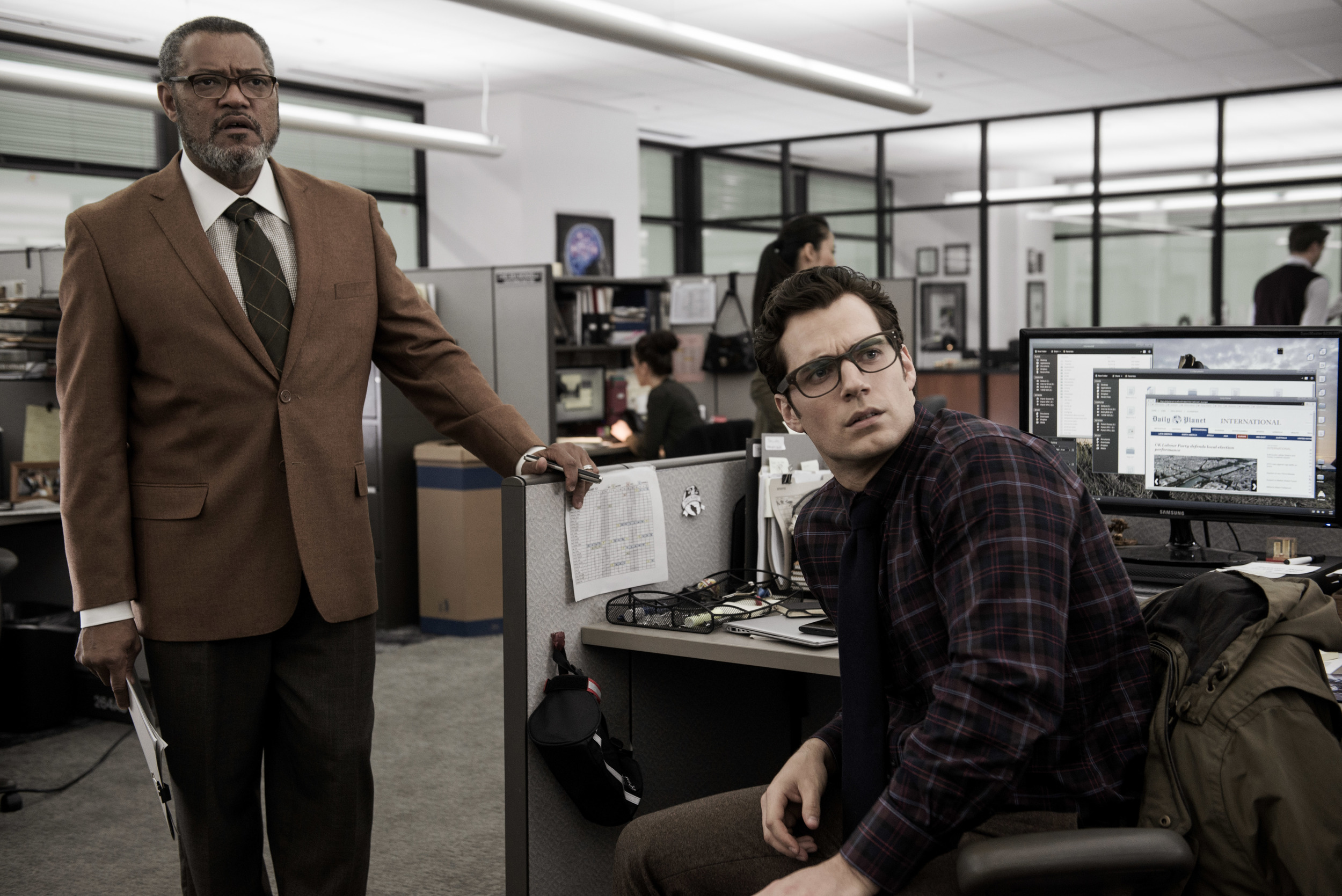 batman-vs-superman-laurence-fishburne-henry-cavill-image.jpg