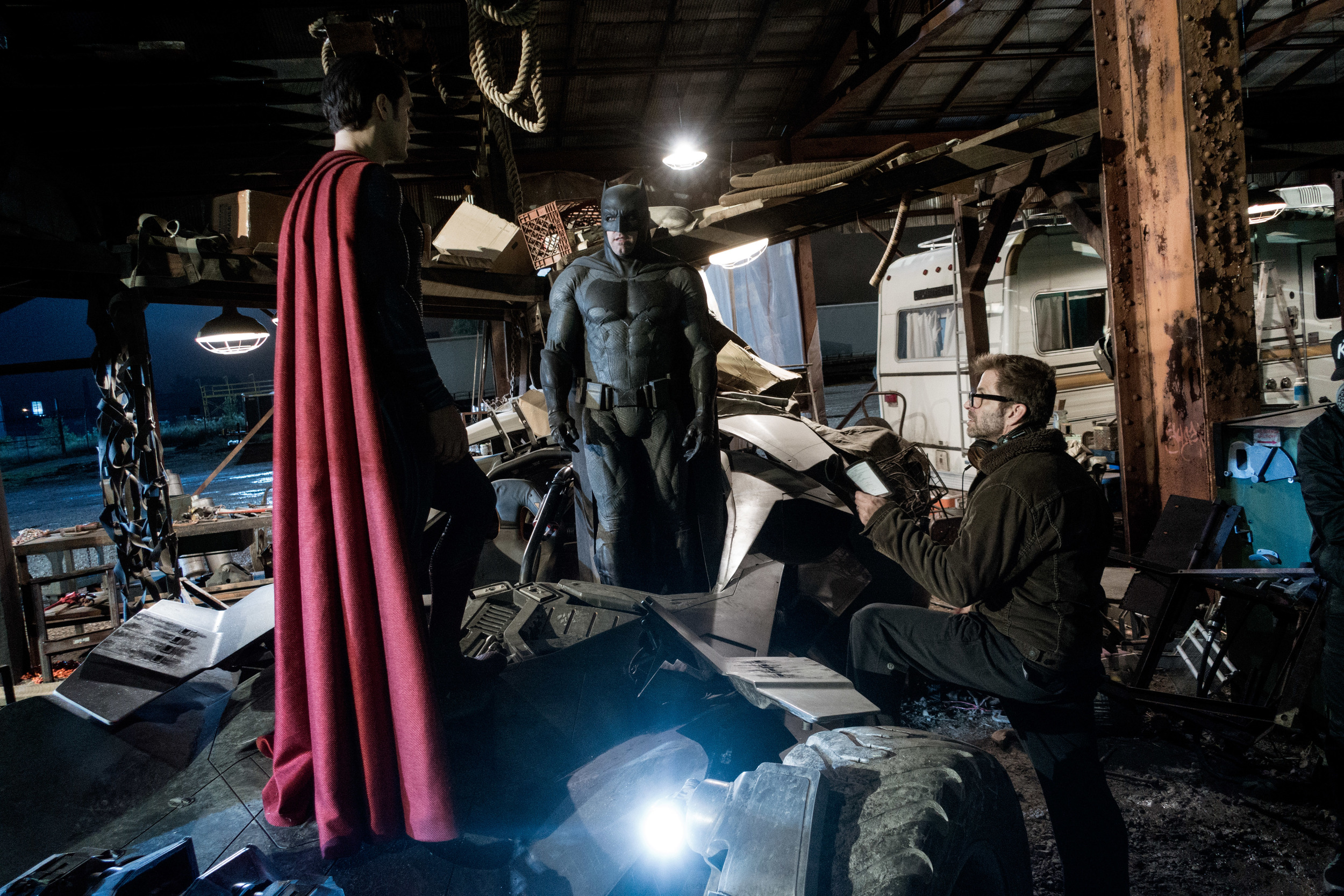 batman-vs-superman-set-photo-zack-snyder-ben-affleck.jpg