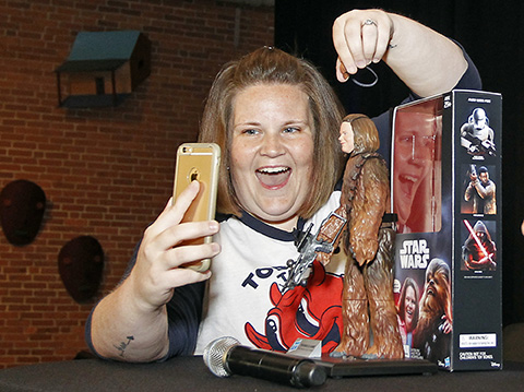so-uh-chewbacca-mom-got-her-own-hasbro-action-figure-and-shes-charging-20-for-an-autograph1