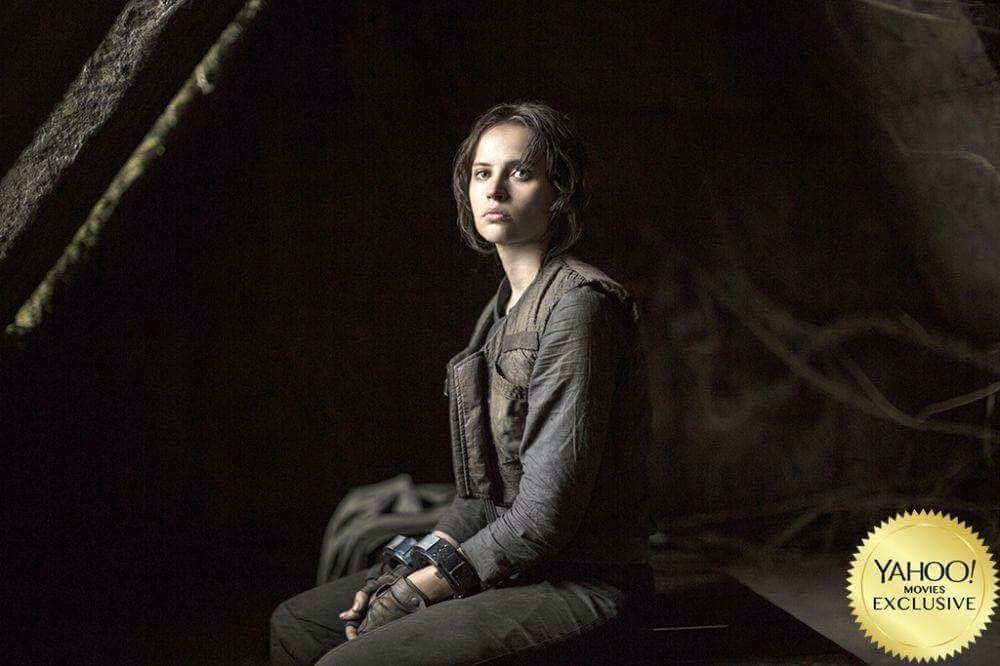 jyn-erso-is-cuffed-in-new-batch-of-rogue-one-a-star-wars-story-photos1