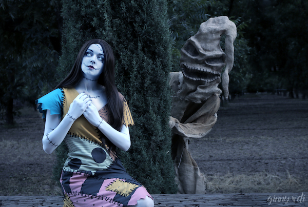 a-nightmare-before-christmas-cosplayer-covers-sallys-song-in-music-video