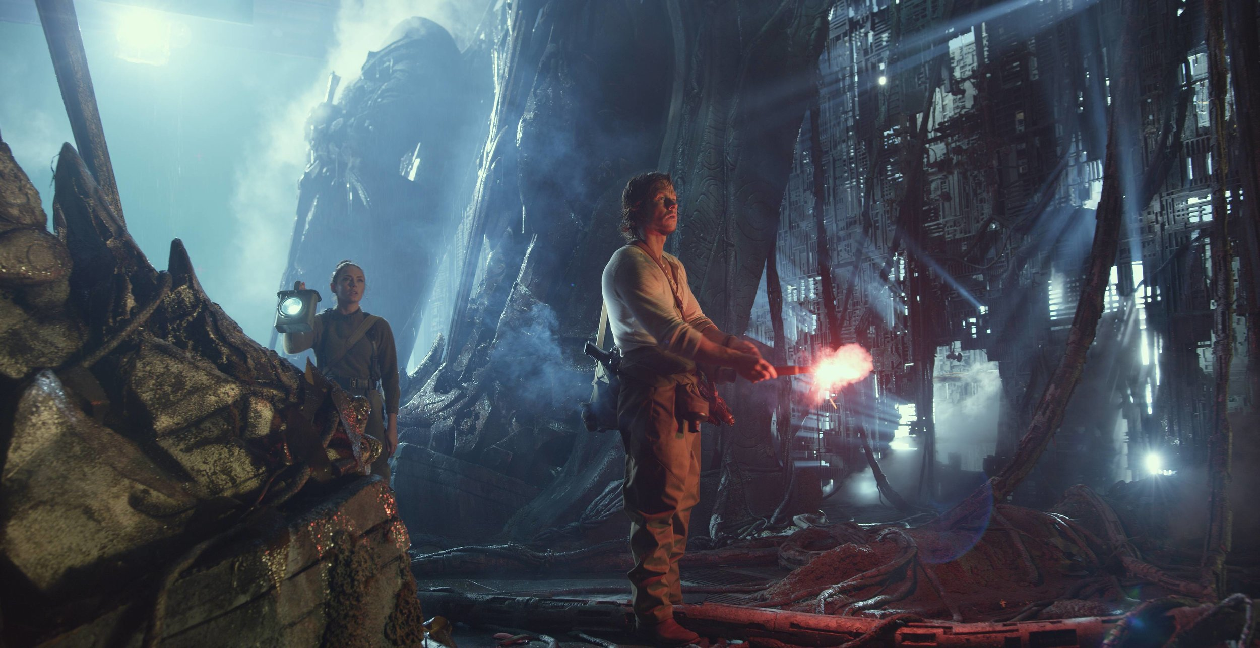 two-tv-spots-for-transformers-the-last-knight-and-a-new-photo-featuring-mark-wahlberg-on-cybertron11