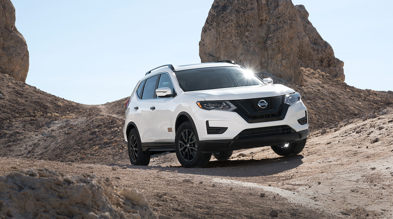 2017-nissan-rogue-one-star-wars-edition-white.jpg