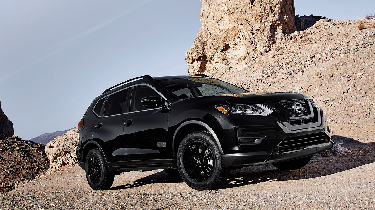 2017-nissan-rogue-one-star-wars-edition-black.jpg