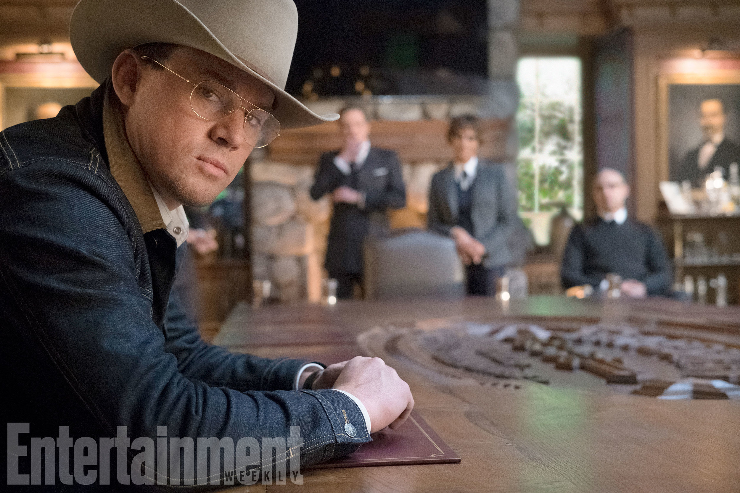new-kingsman-the-golden-circle-photos-give-us-a-first-look-at-channing-tatum-jeff-bridges-and-halle-berry