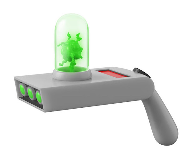 funko-made-an-awesome-rick-morty-portal-gun-replica-with-lights-and-sounds22
