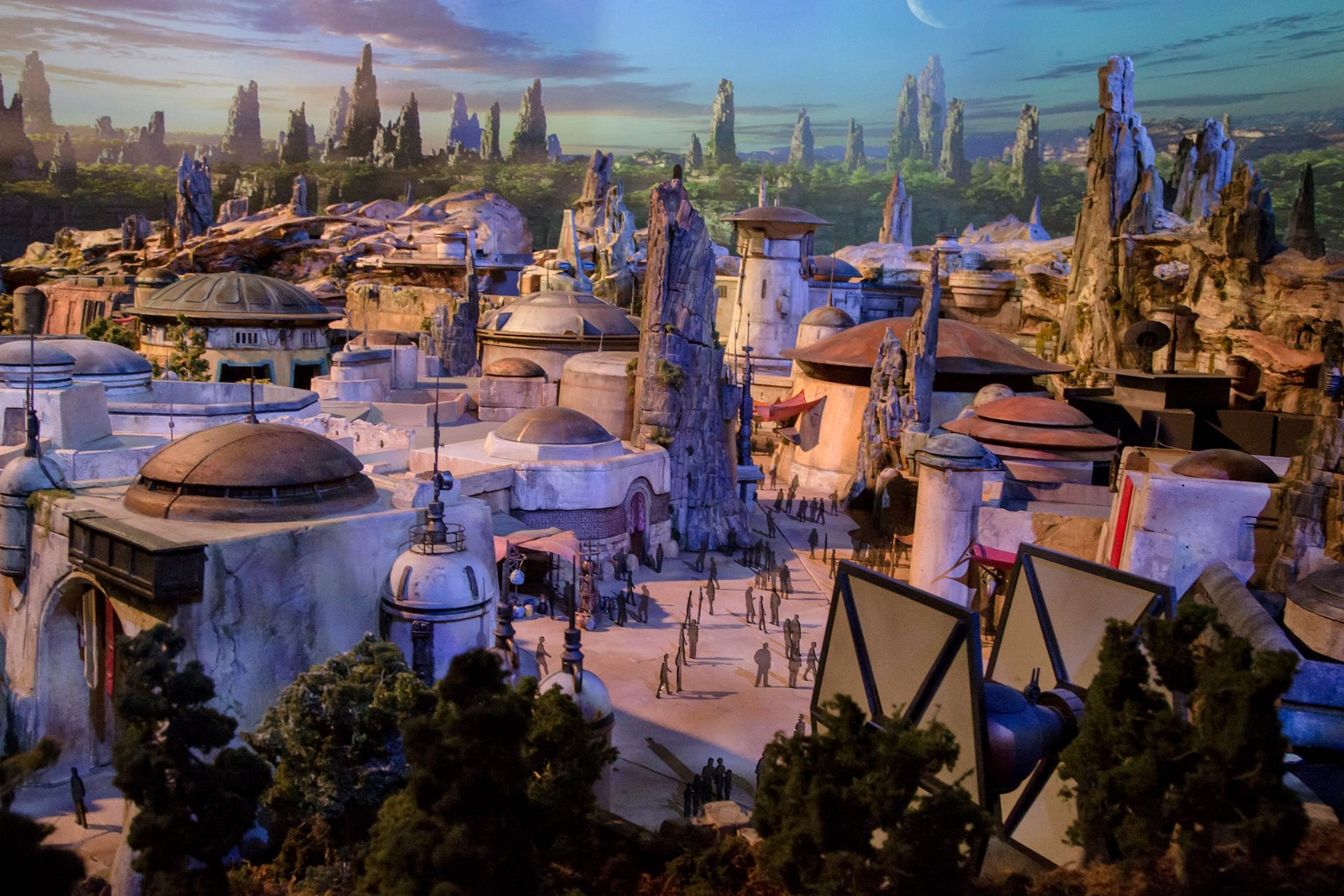 disney-reveals-incredibly-cool-full-star-wars-land-model-at-d23-expo1.jpeg