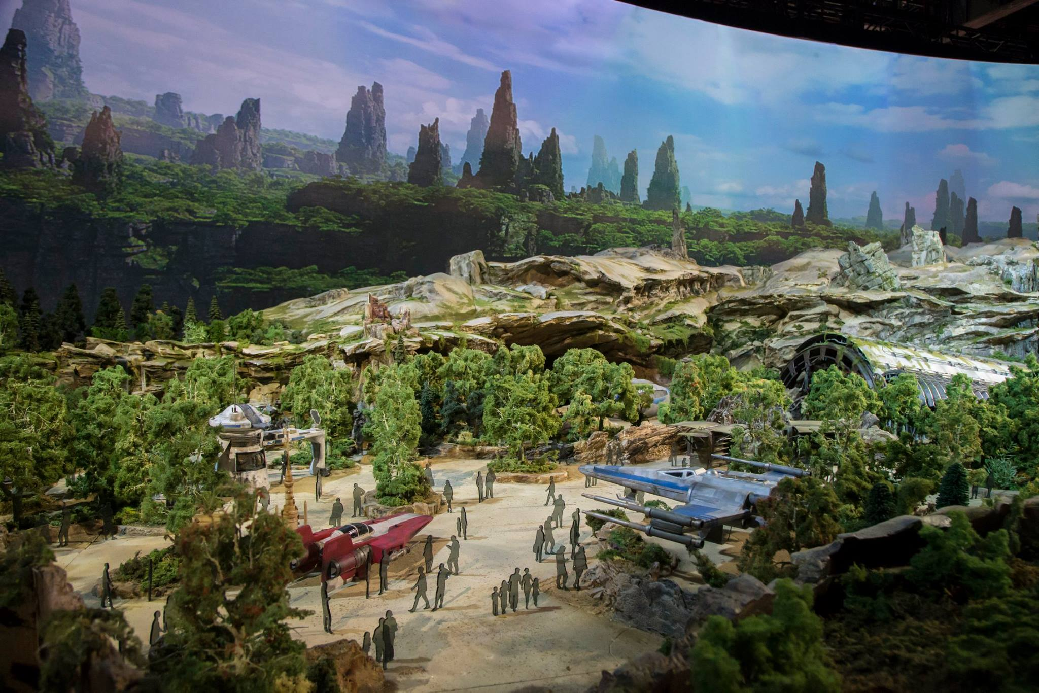 disney-reveals-incredibly-cool-full-star-wars-land-model-at-d23-expo7.jpeg
