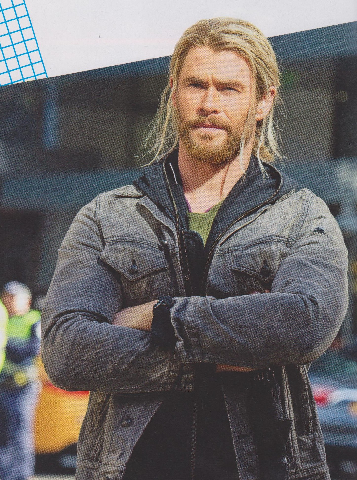 New Photos From Thor Ragnarok Of Hulk Thor And More And The Director Explains That It S Not A Sequel Geektyrant