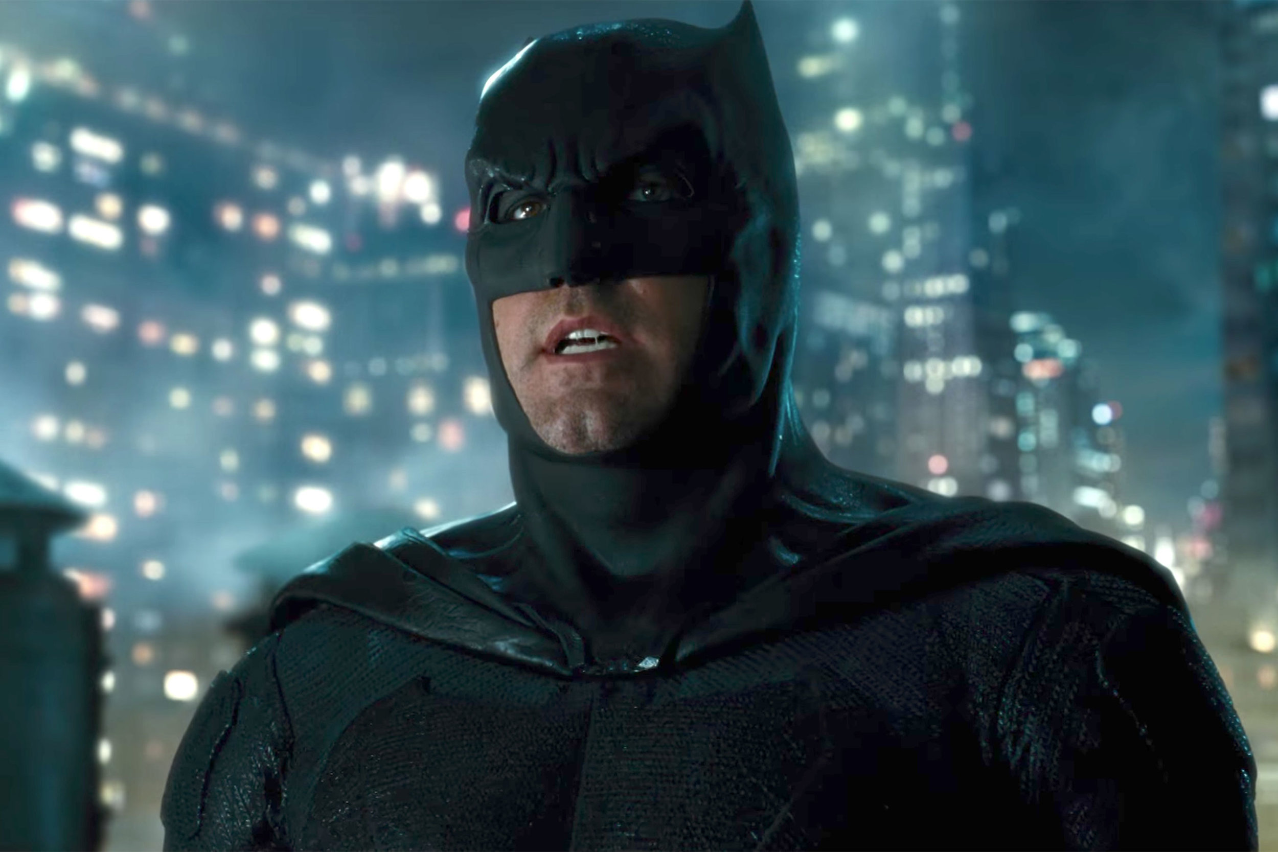 ben-affleck-talks-about-justice-league-and-says-batman-will-be-more-traditional-and-heroic11