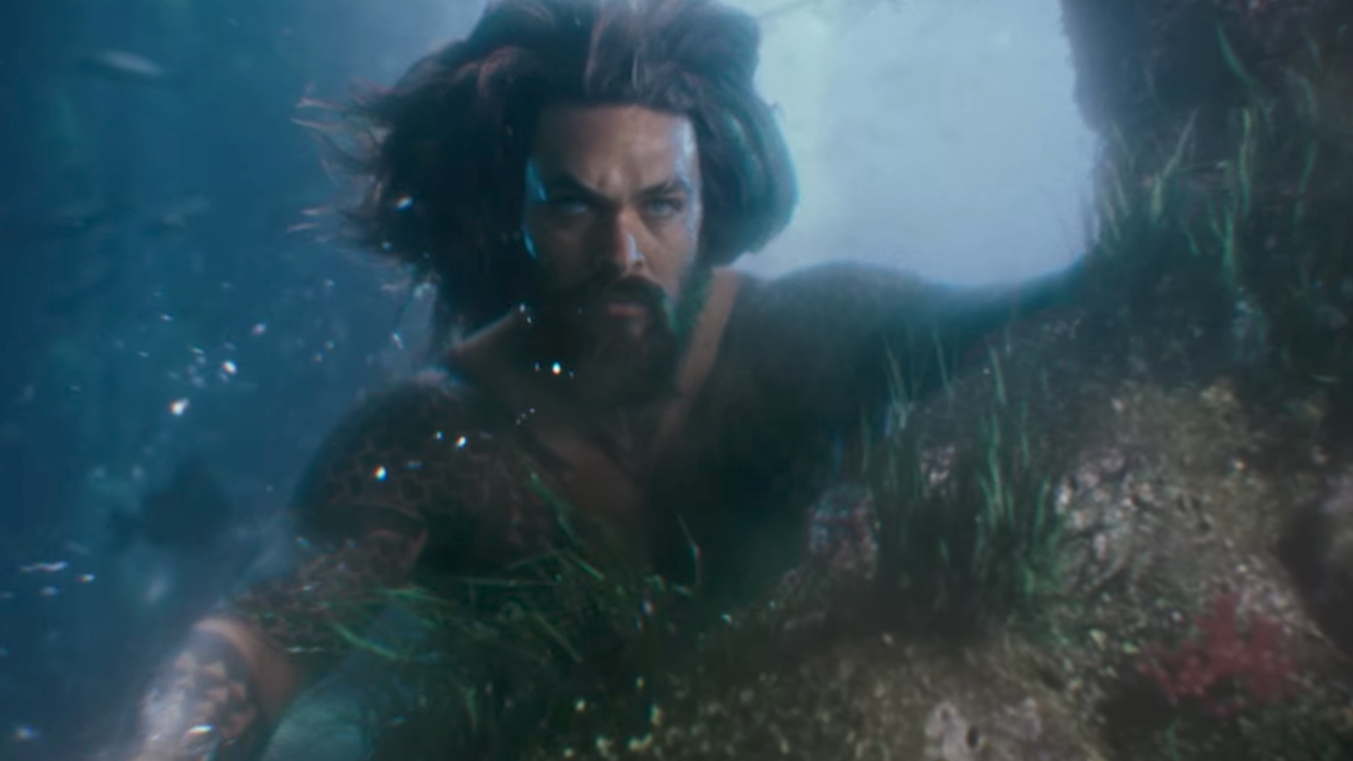 jason-momoa-reveals-new-details-about-aquaman-and-his-gigantic-story-arc-social.jpg