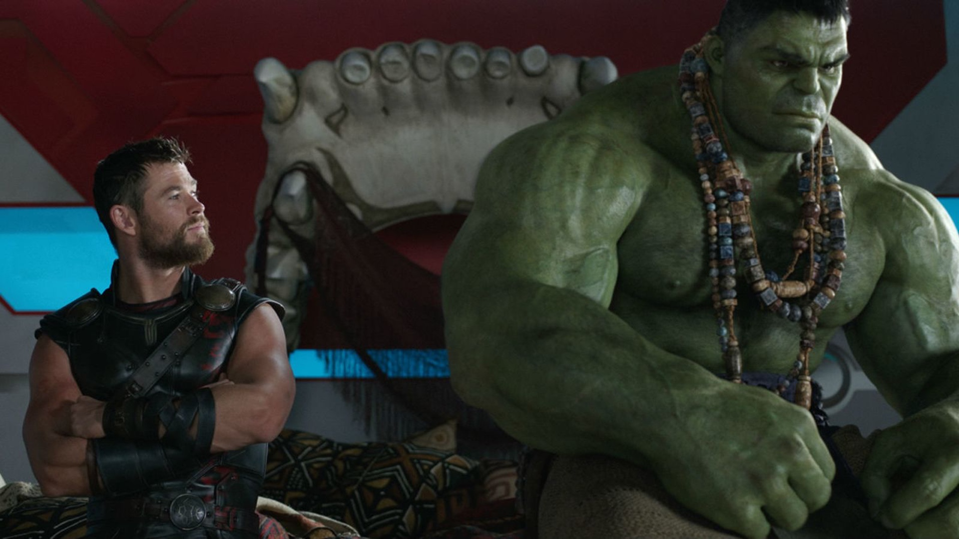 The Awesome Backstory Of Hulk S Skull Bed In Thor Ragnarok Has Been Revealed Geektyrant