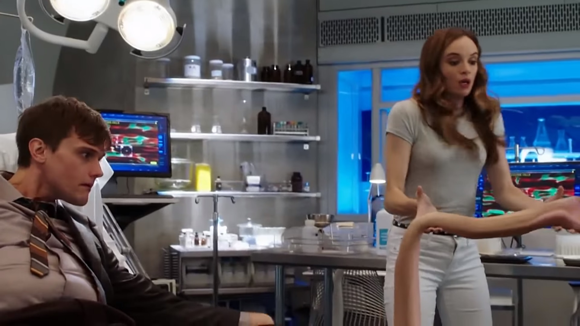 New Promo For The Flash Teases The Elongated Man And A Hilarious