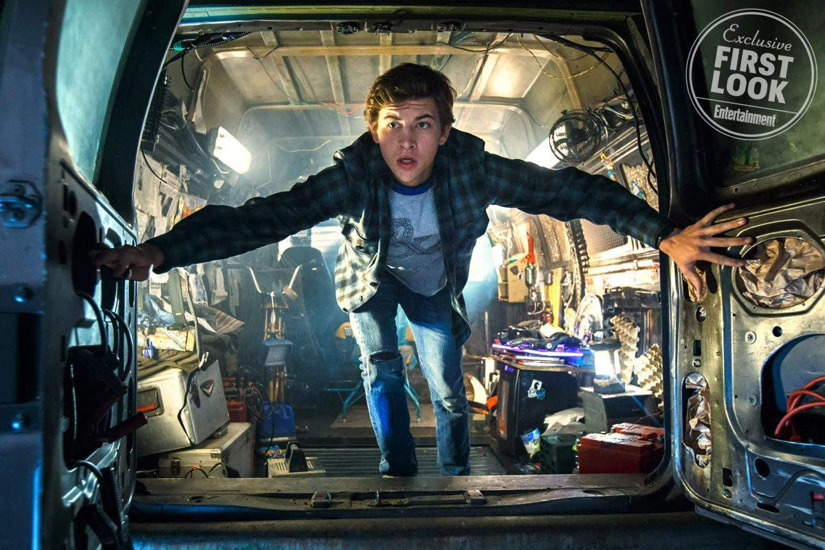 4-new-photos-for-steven-spielbergs-ready-player-one-new-trailer-coming-on-sunday1
