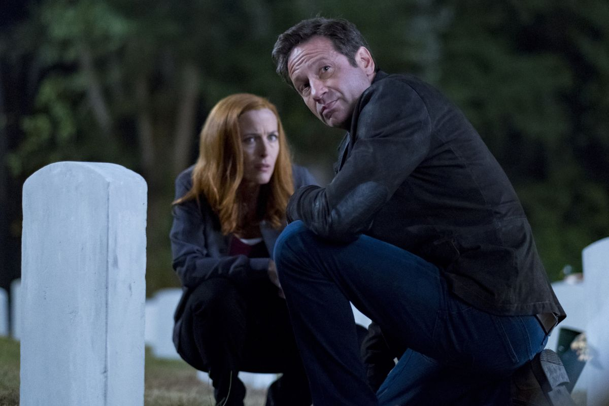30-new-images-from-the-x-files-season-11-and-an-amusing-alien-prank-video17.jpeg