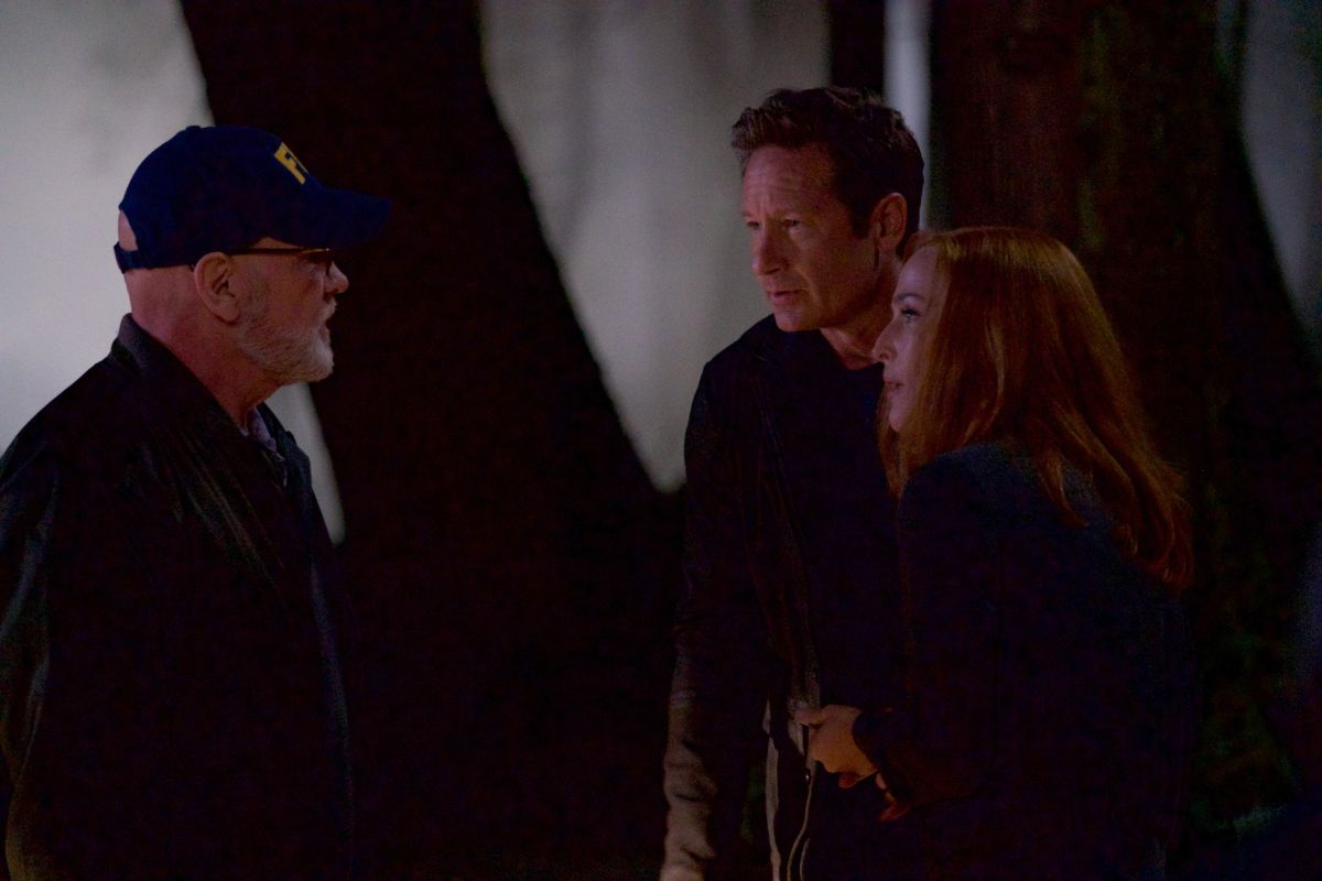 30-new-images-from-the-x-files-season-11-and-an-amusing-alien-prank-video22.jpeg