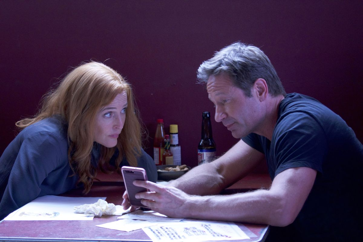30-new-images-from-the-x-files-season-11-and-an-amusing-alien-prank-video26.jpeg