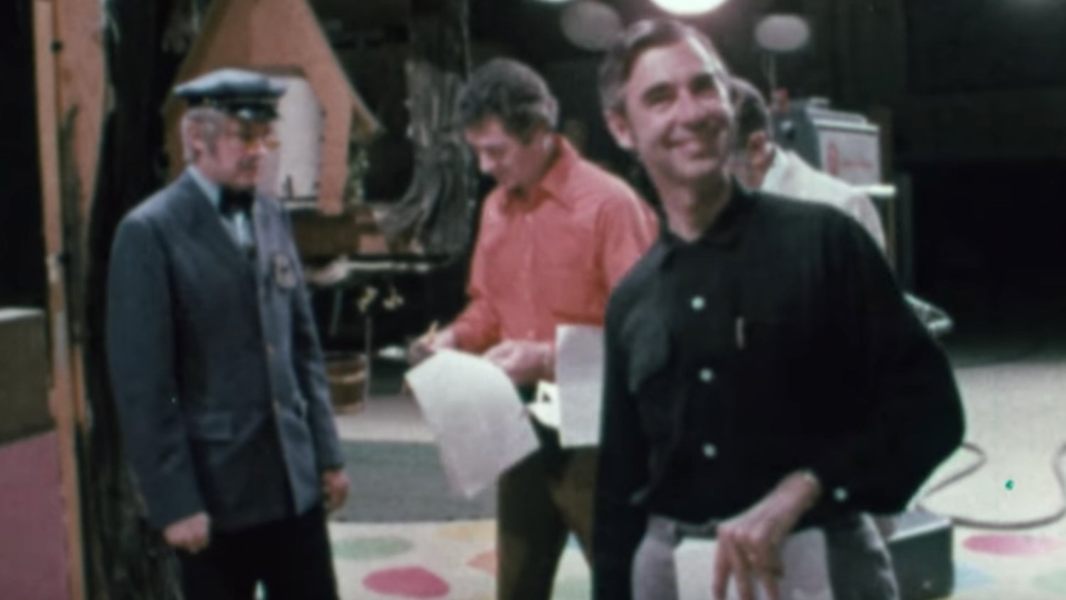 Delightfully Sweet New Trailer For The Mr Rogers Doc Won T You Be My Neighbor Geektyrant