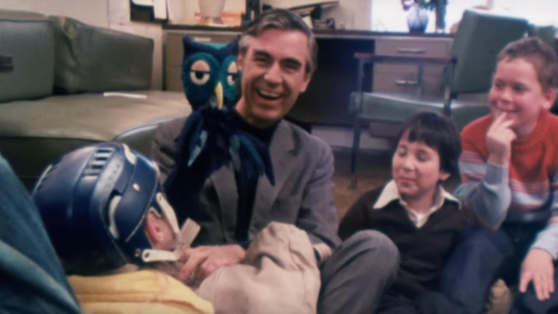 Wonderful Trailer For The Mr Rogers Documentary Won T You Be My Neighbor Geektyrant