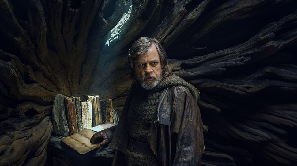 Luke-Skywalker-TLJ-Featured-12202017.jpg