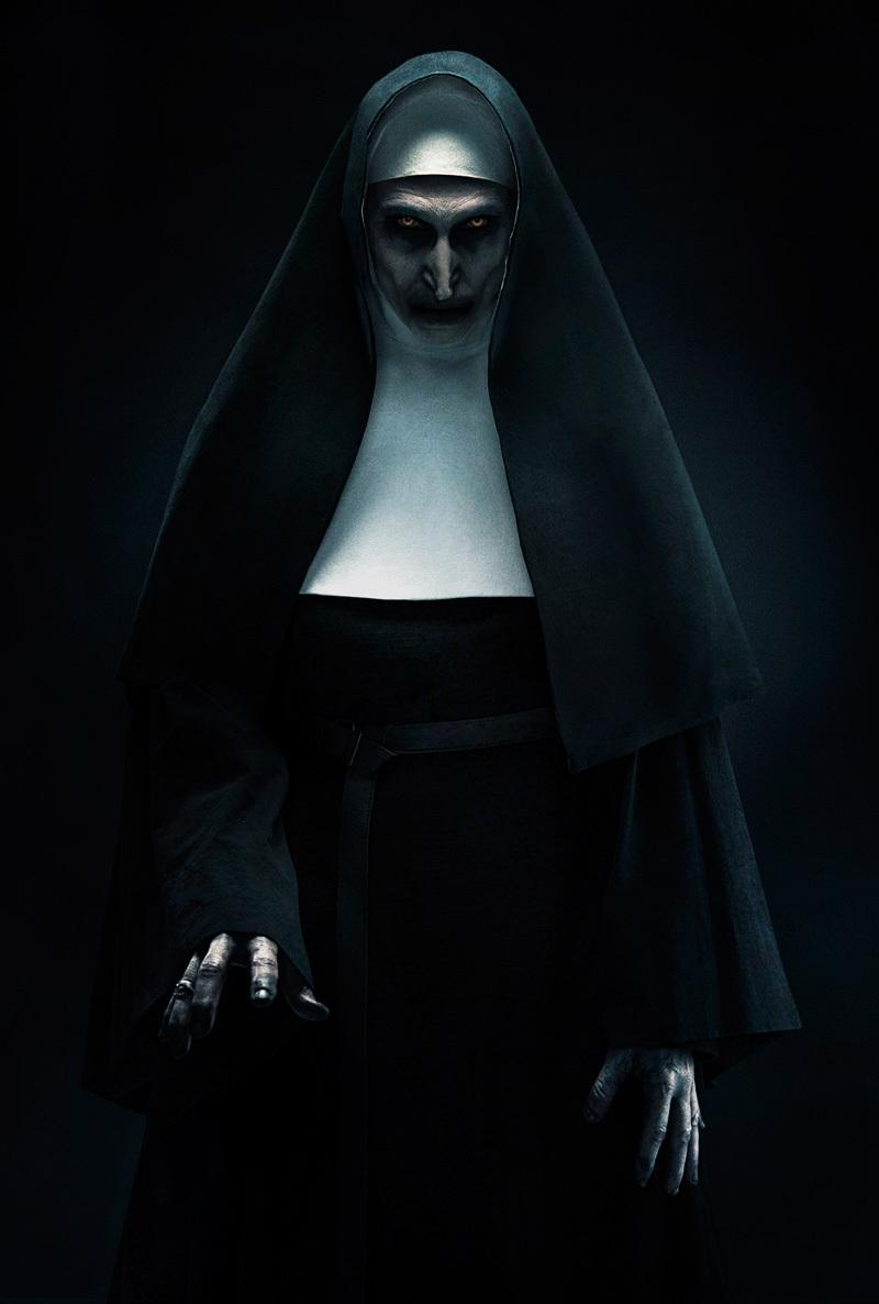 haunting-promo-image-from-the-conjuring-spinoff-movie-the-nun1