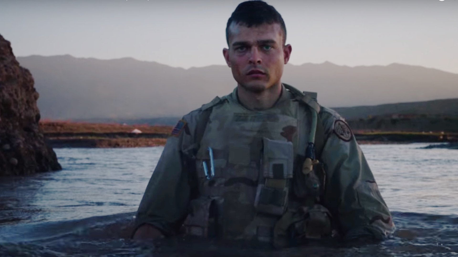 intense-trailer-for-the-war-thriller-the-yellow-birds-with-alden-ehrenreich-and-tye-sheridan-social.jpg