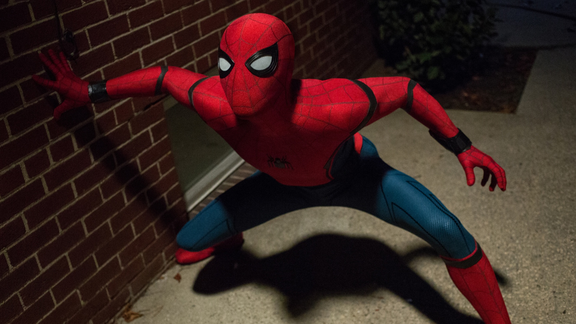 the-director-of-venom-isnt-ruling-out-a-spider-man-appearance-in-the-franchise-social.jpg