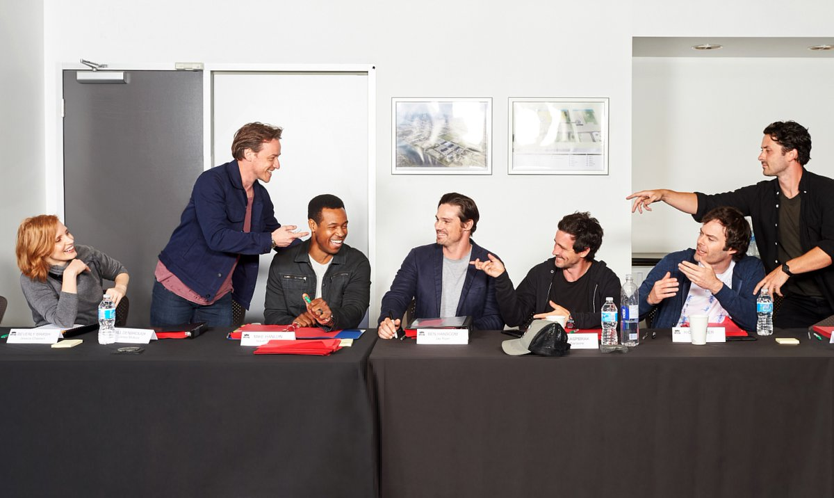 the-losers-club-reunites-in-a-photo-from-the-it-chapter-2-table-read22