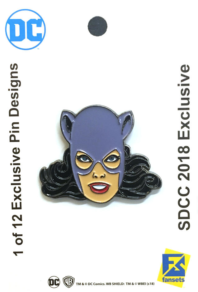 the-official-comic-con-wb-collectors-bags-and-pins-have-been-revealed26.jpeg