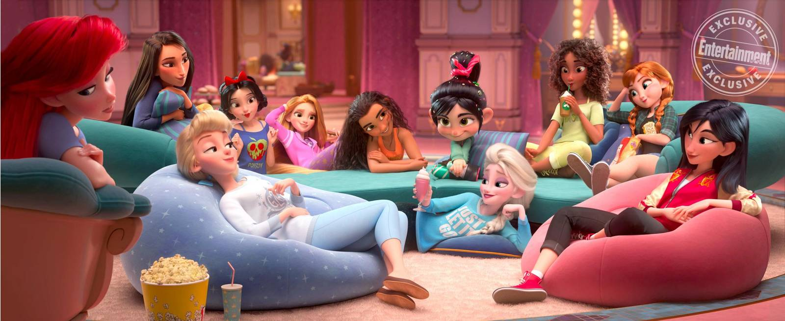 the-disney-princesses-get-new-outfits-in-photo-from-ralph-breaks-the-internet1