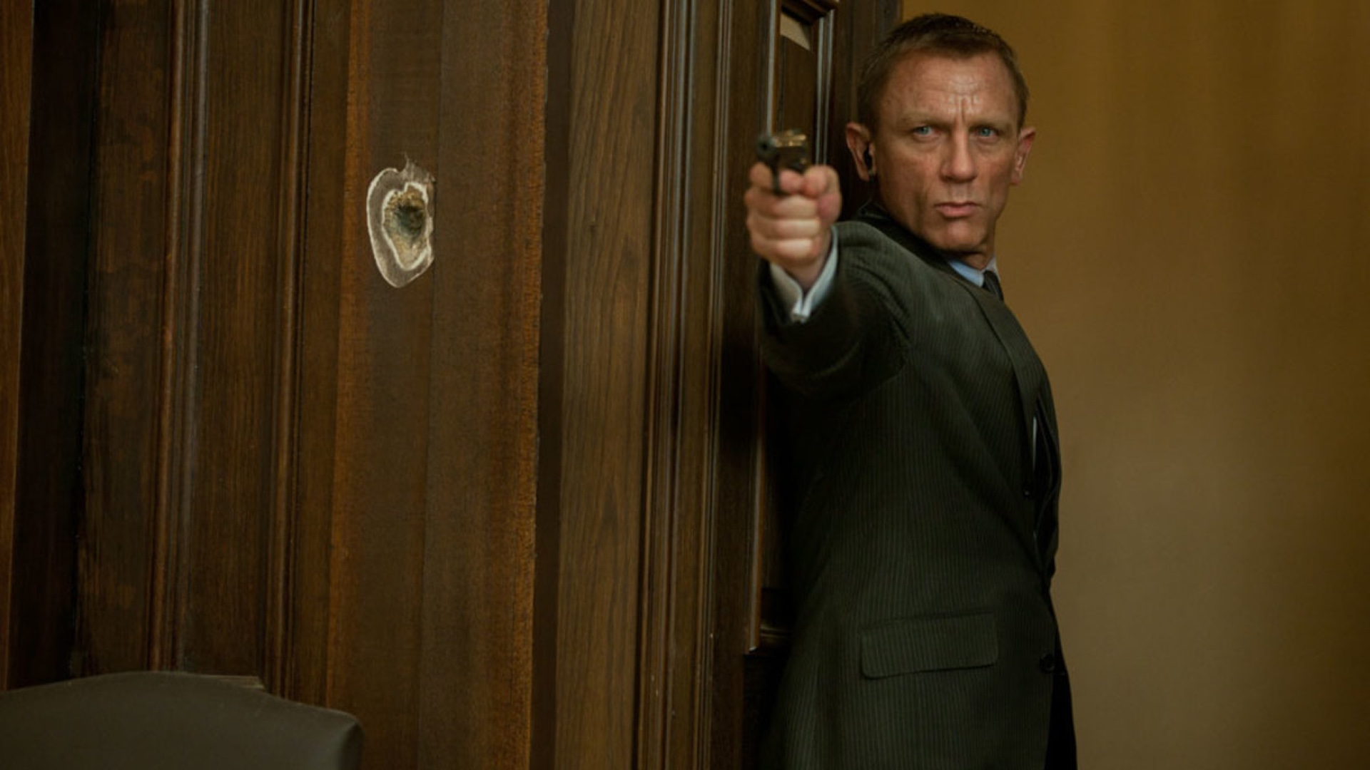 bond-25-goes-back-to-the-drawing-board-and-the-release-date-will-be-pushed-back-social.jpg