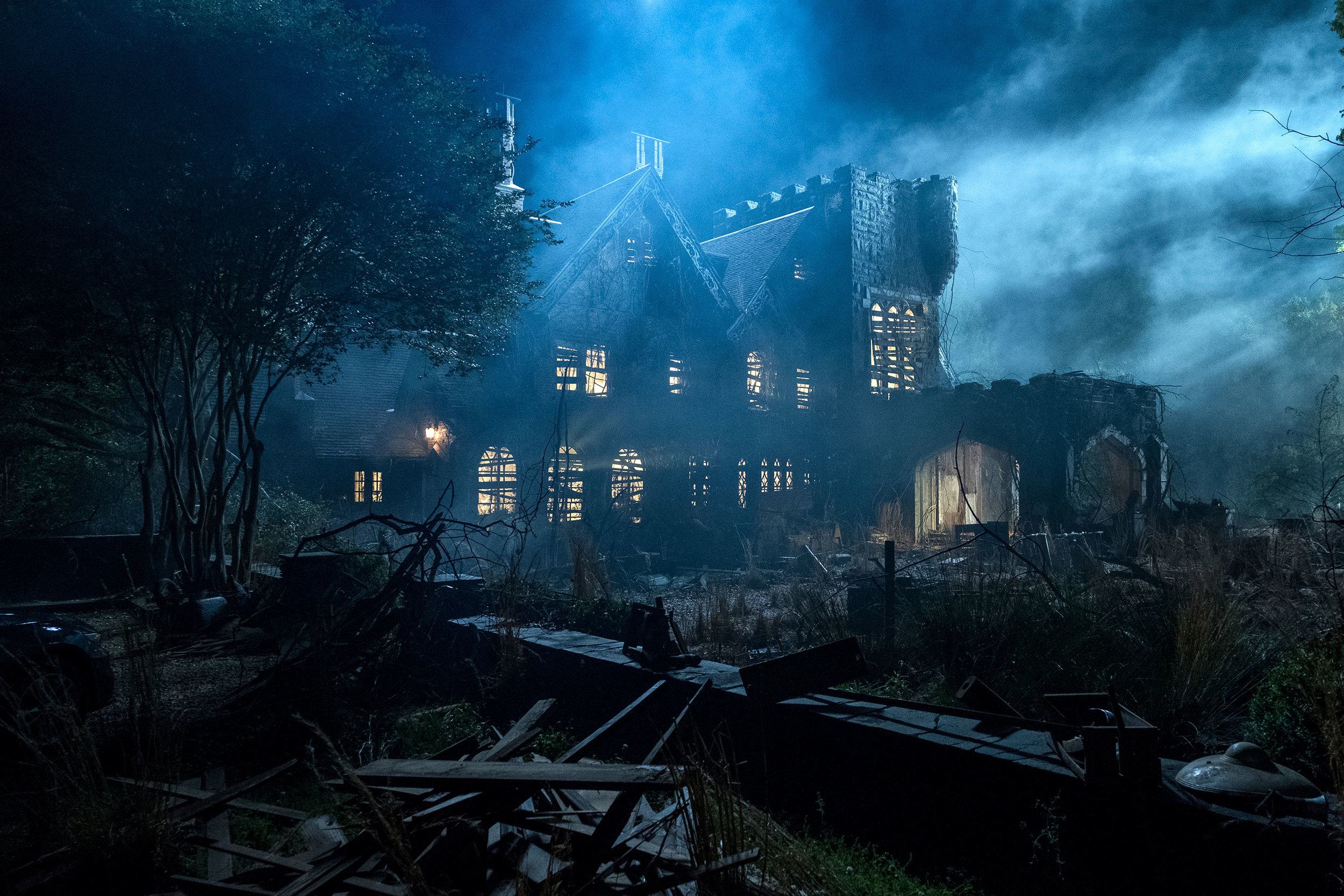 teaser-trailer-and-photos-from-netflixs-the-haunting-of-hill-house5.jpeg
