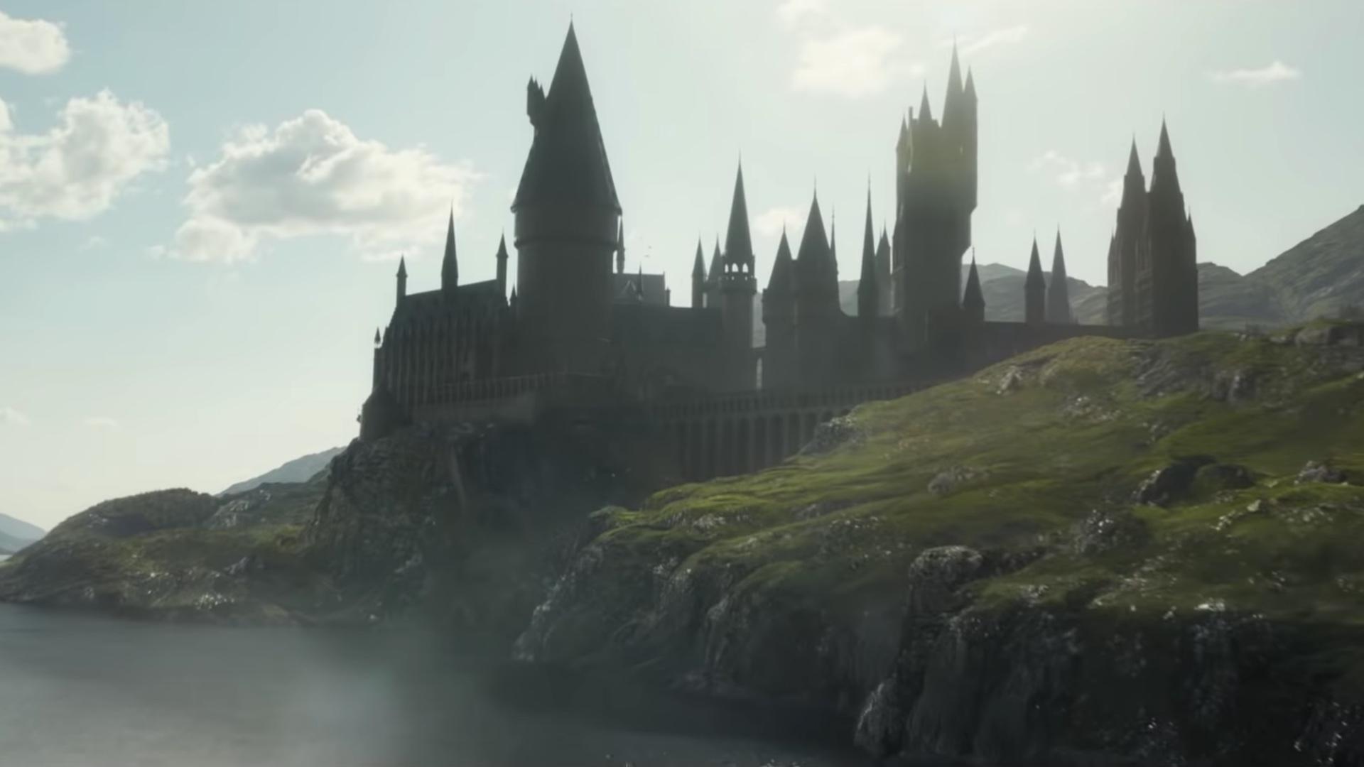new-featurette-for-fantastic-beasts-the-crimes-of-grindelwald-focuses-on-returning-to-hogwarts-social.jpg