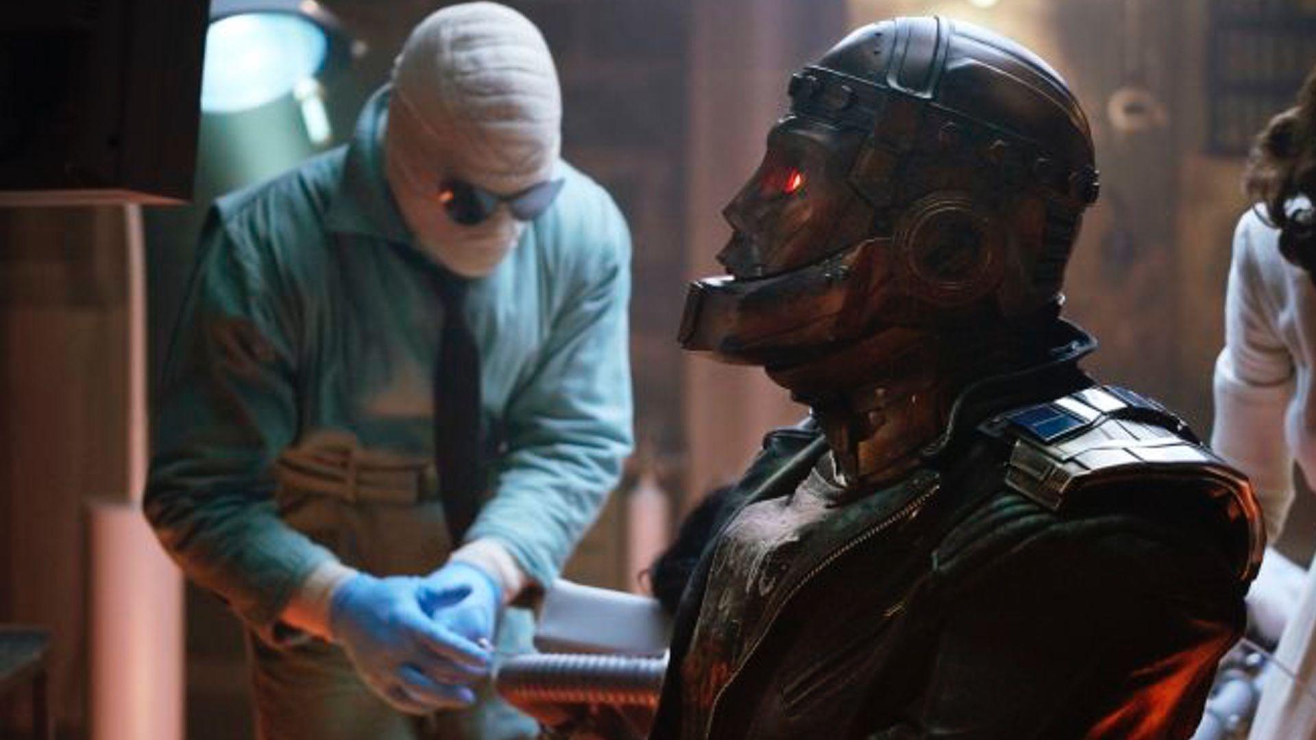 New Promo Spots For Dc S Doom Patrol Spotlight Robotman And Crazy