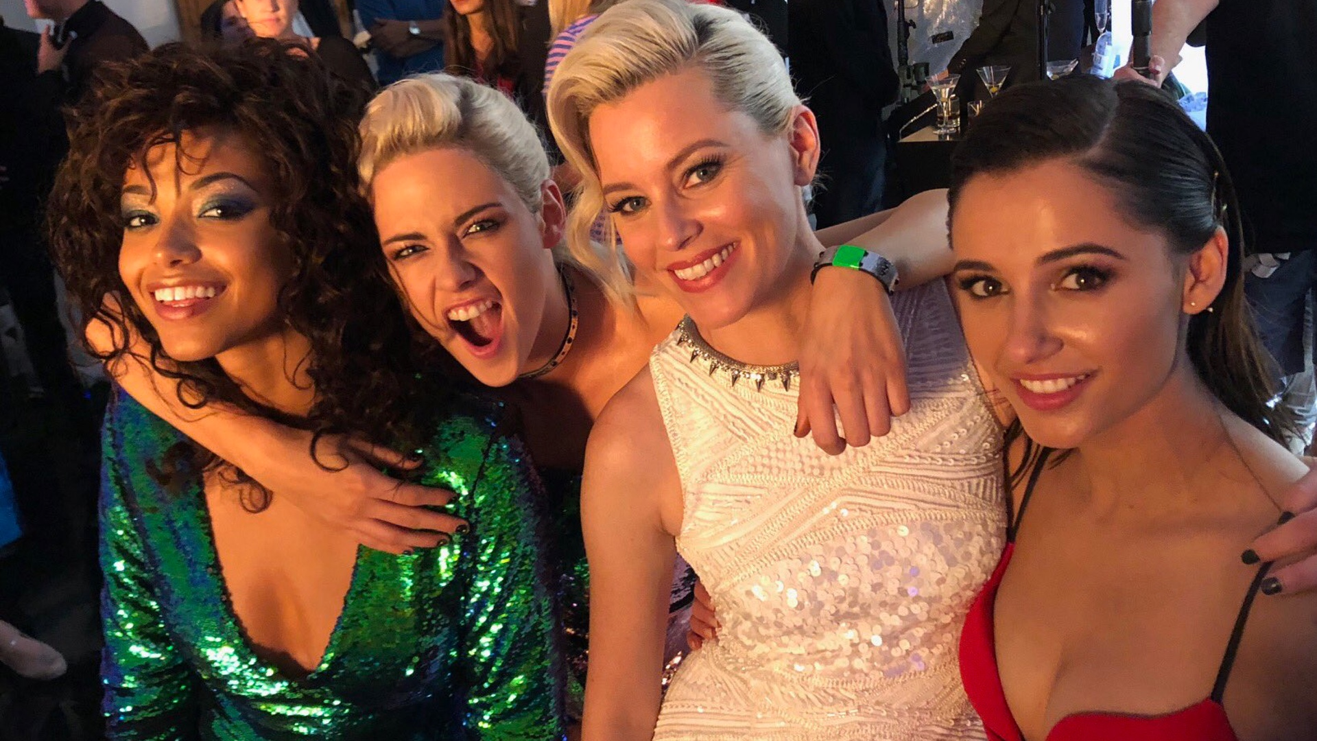 Elizabeth Banks Shares Exclusive First Look Photo of CHARLIE'S ANGELS-social.jpg