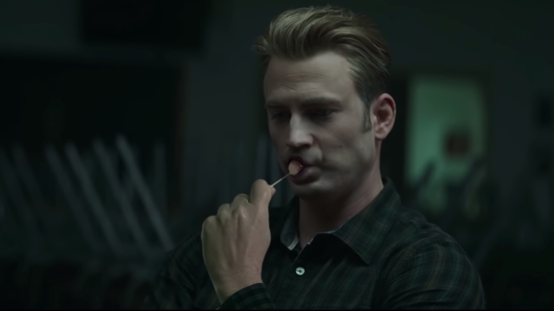 the-avengers-endgame-super-bowl-spot-gets-a-ridiculous-weird-trailer-social.jpg