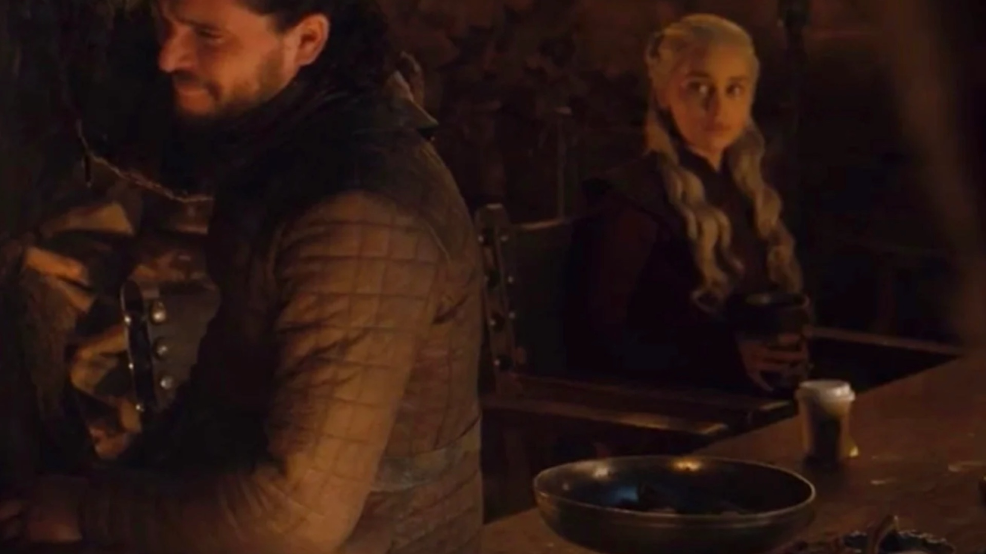 there-was-a-modern-day-coffee-cup-spotted-in-the-latest-episode-of-game-of-thrones-social.jpg