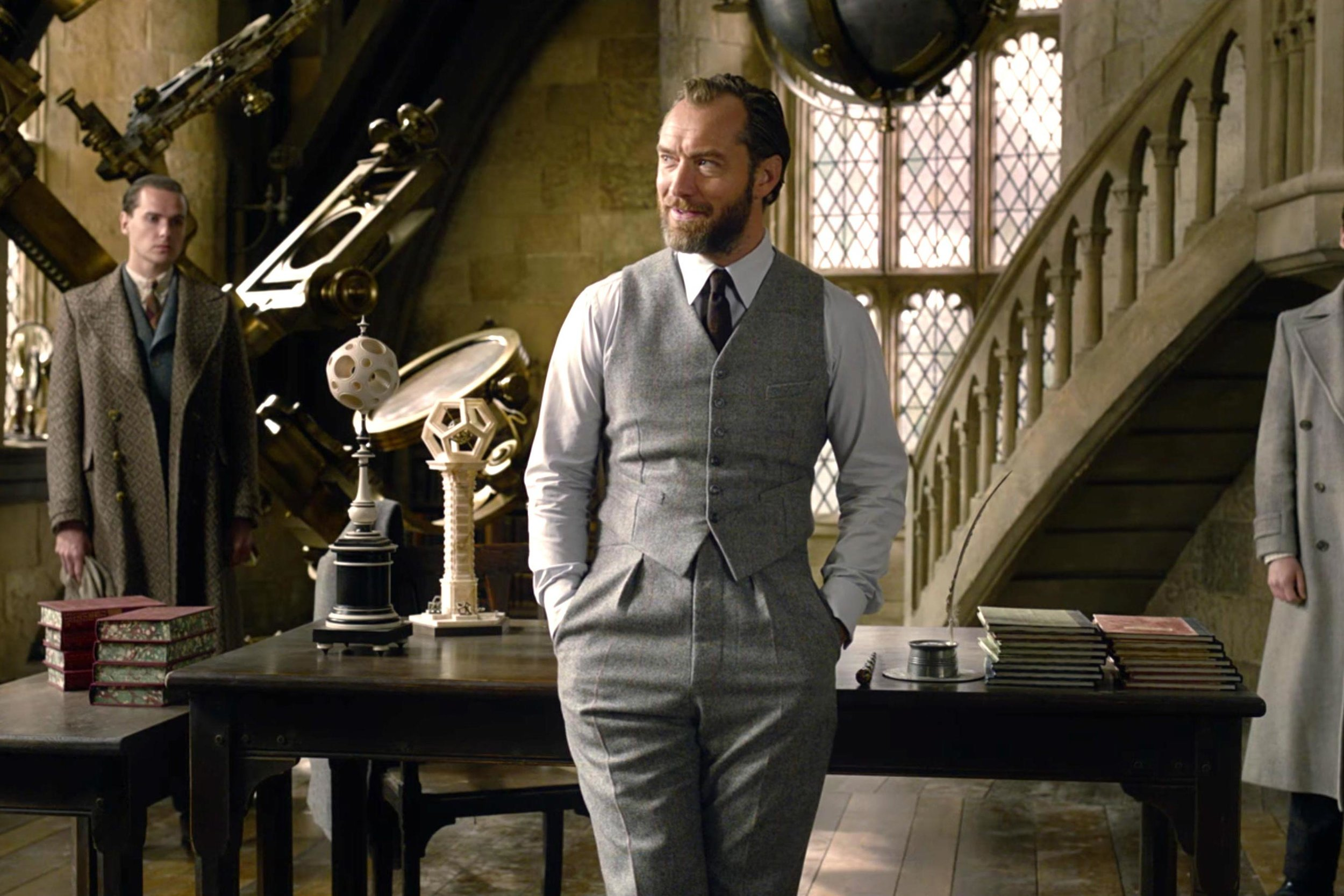 jude law fantastic beasts.jpg