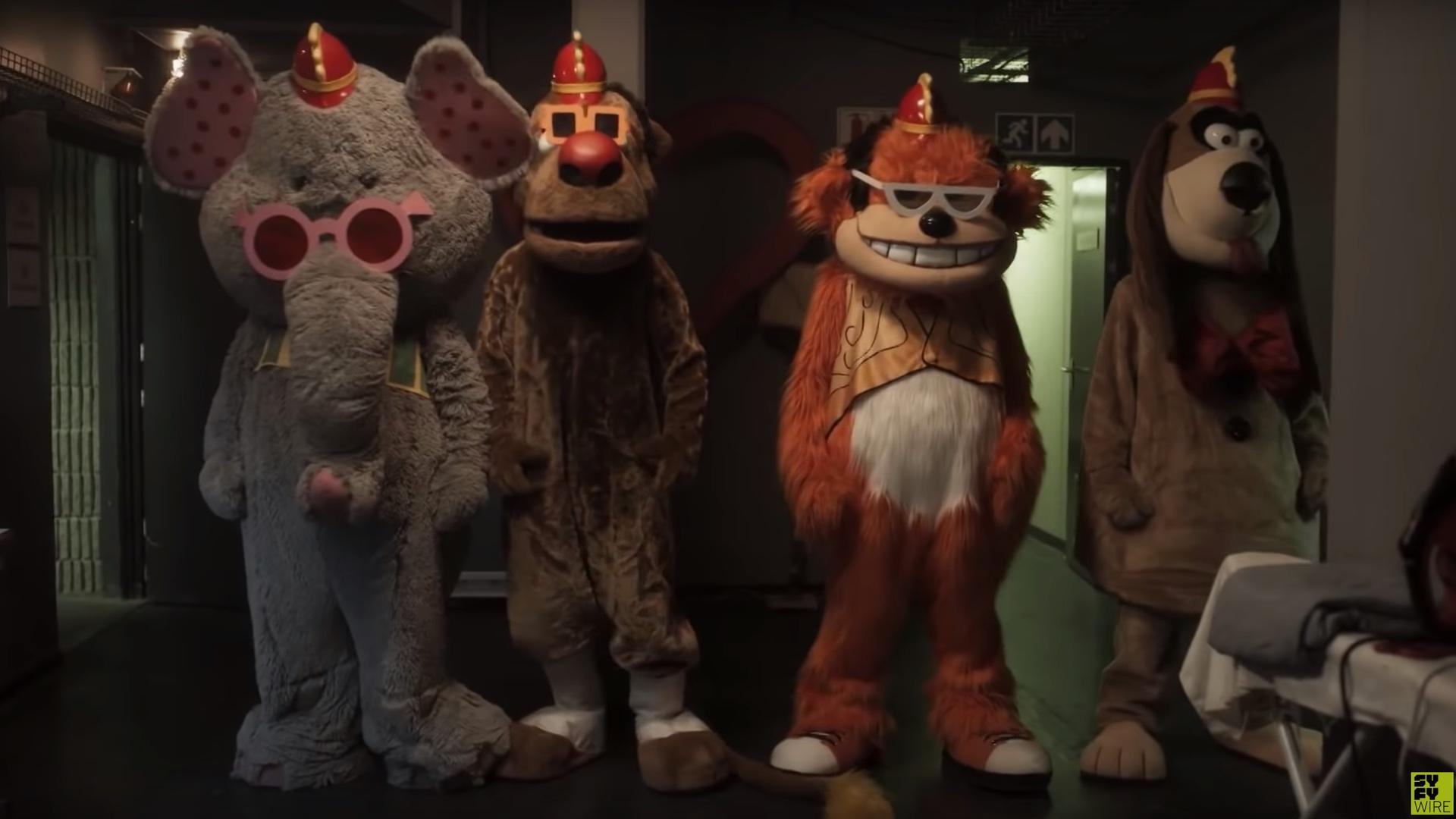 first-sinisterly-silly-trailer-for-the-banana-splits-horror-movie-social.jpg