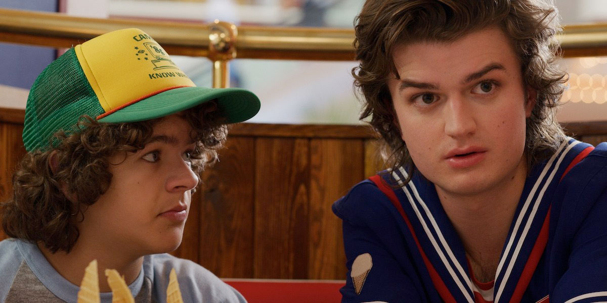 new-stranger-things-3-photos-tease-an-adventurous-1985-summer-vacation8.jpg