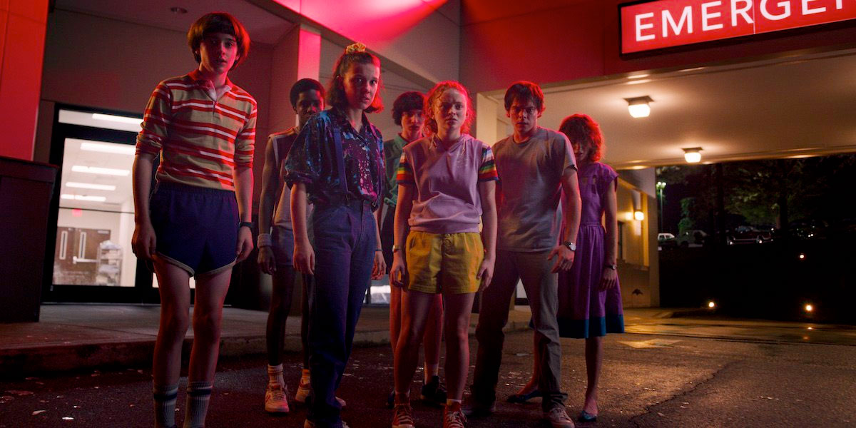 new-stranger-things-3-photos-tease-an-adventurous-1985-summer-vacation11.jpg