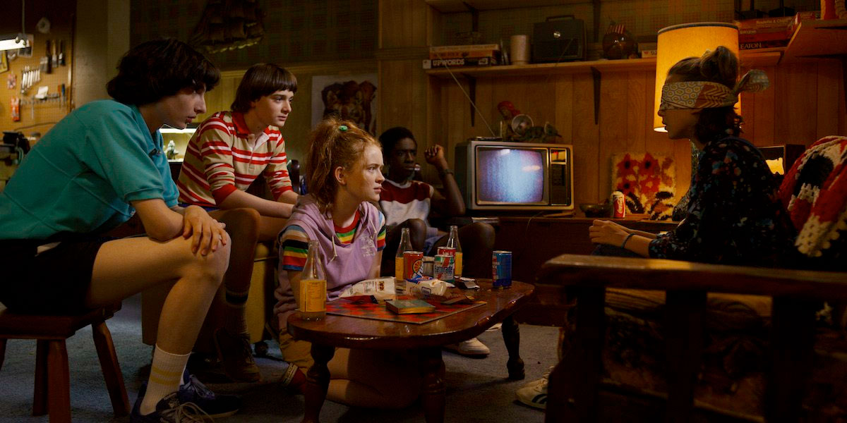 new-stranger-things-3-photos-tease-an-adventurous-1985-summer-vacation20.jpg