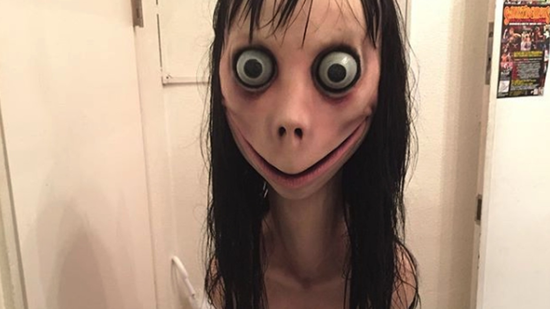 that-stupid-momo-challenge-viral-hoax-is-getting-a-horror-film-social.jpg