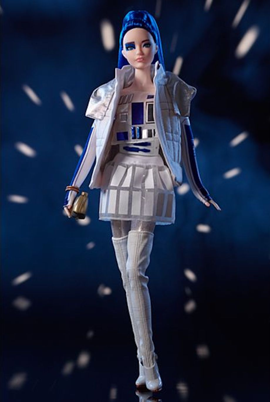 barbie-gets-a-line-of-star-wars-action-figures-that-shows-off-new-fashion-for-darth-vader-r2-d2-and-princess-leia3