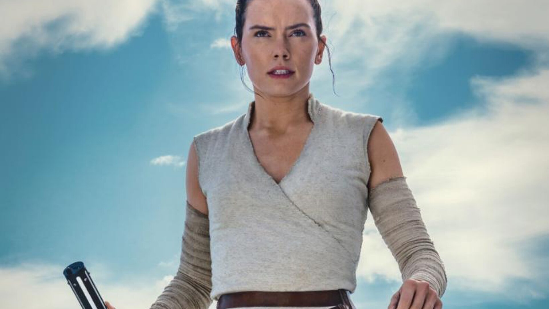 Daisy Ridley S Rey Featured In New Photo From Star Wars The Rise Of Skywalker Geektyrant