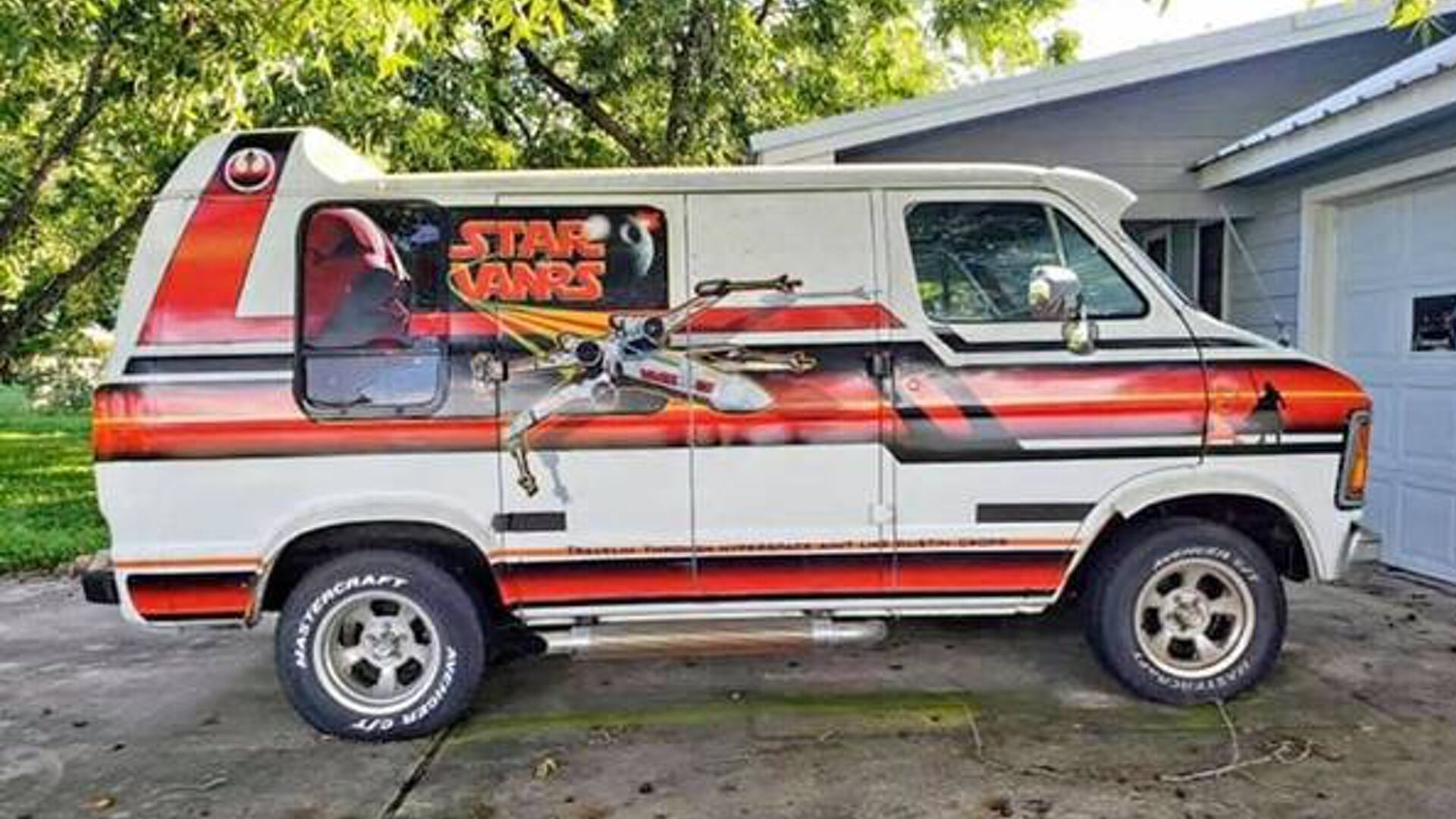 Check Out This Awesome Vintage 1979 Dodge Star Wars Van For Sale Geektyrant