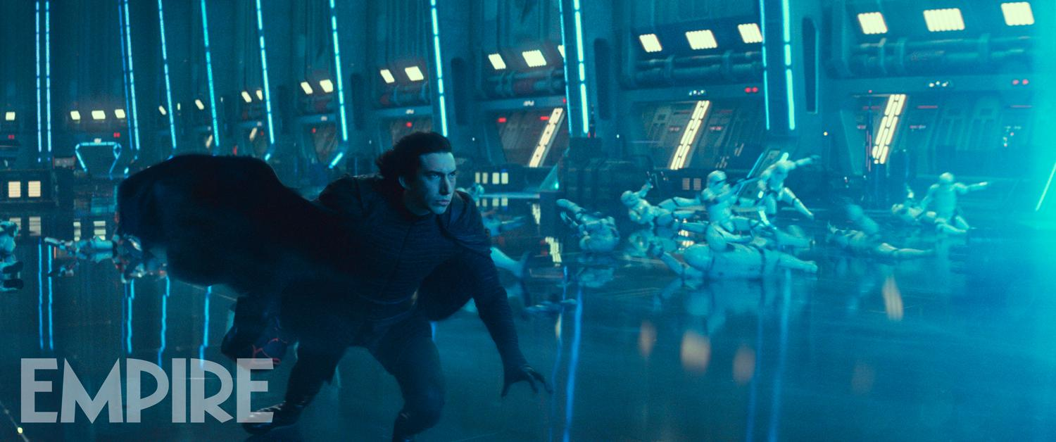 kylo-ren-confronts-a-mysterious-force-in-new-photo-from-star-wars-the-rise-of-skywalker5