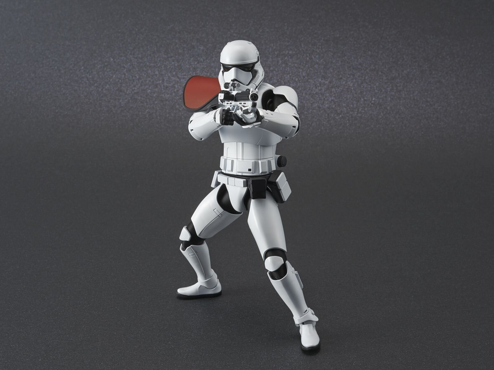 ep9_stormtrooper_action01.jpg